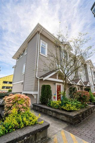 Photo 1: 406 4025 NORFOLK Street in Burnaby: Central BN Townhouse for sale (Burnaby North)  : MLS®# R2577324