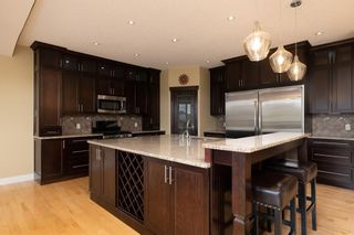 Photo 2: 247 Wild Rose Street: Fort McMurray Detached for sale : MLS®# A1151199