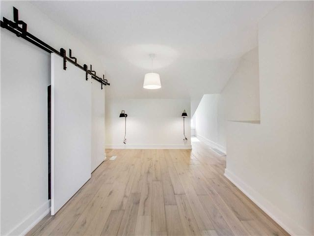 Photo 11: Photos: 601 C Pape Avenue in Toronto: South Riverdale House (2 1/2 Storey) for lease (Toronto E01)  : MLS®# E4139176