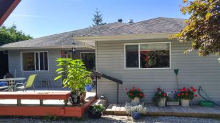 Photo 2: 6317 HOMESTEAD Avenue in Sechelt: Sechelt District House for sale (Sunshine Coast)  : MLS®# R2491290