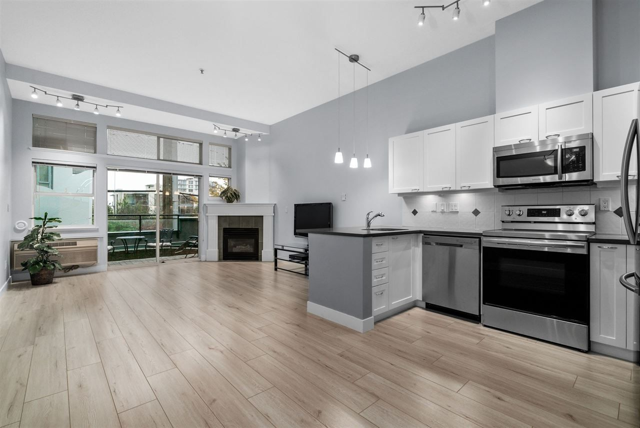 """Main Photo: 108 131 W 3RD Street in North Vancouver: Lower Lonsdale Condo for sale in """"Seascape Landing"""" : MLS®# R2530620"""