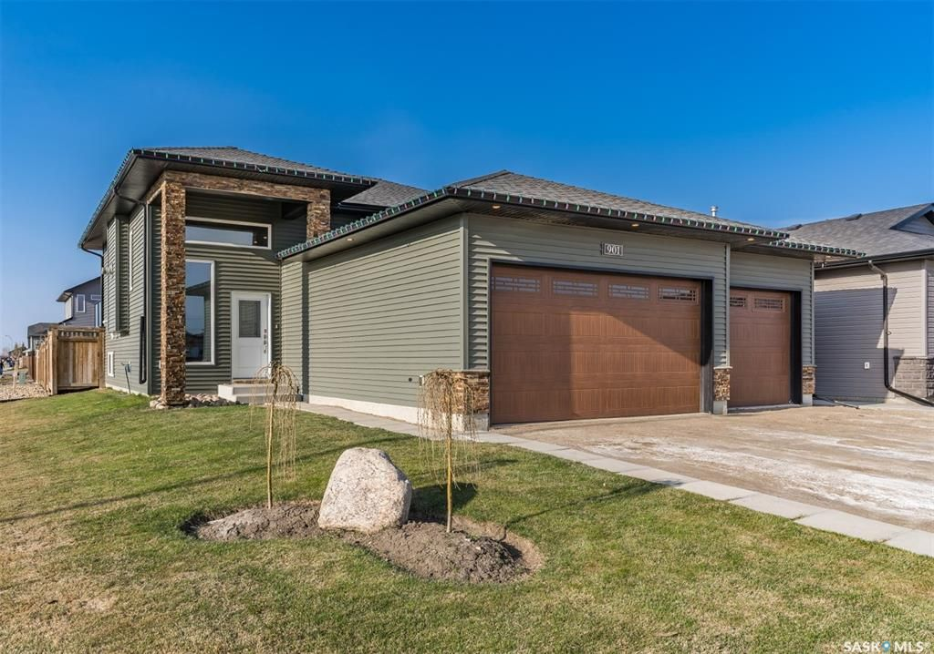 Main Photo: 901 Salmon Way in Martensville: Residential for sale : MLS®# SK851159