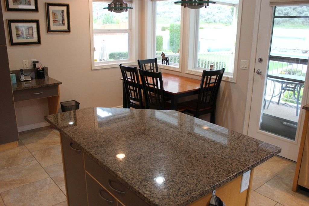 Photo 12: Photos: 3581 Navatanee Drive in Kamloops: Rivershore Estates House for sale : MLS®# 117351