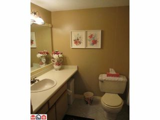 Photo 7: 207 1460 MARTIN Street: White Rock Condo for sale (South Surrey White Rock)  : MLS®# F1100155