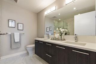 """Photo 12: W305 677 W 41ST Avenue in Vancouver: Oakridge VW Condo for sale in """"41 West"""" (Vancouver West)  : MLS®# R2605718"""