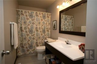 Photo 12: 25 Pembroke Road in Winnipeg: Windsor Park Residential for sale (2G)  : MLS®# 1829561