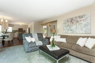 Photo 10: 6078 154A Street in Surrey: Sullivan Station House for sale : MLS®# R2393804