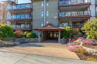 Photo 2: 305 420 Parry St in VICTORIA: Vi James Bay Condo for sale (Victoria)  : MLS®# 828944