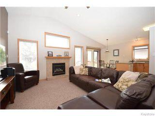 Photo 2: 87 Novara Drive in Winnipeg: West Kildonan / Garden City Residential for sale (North West Winnipeg)  : MLS®# 1618812