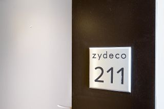 """Photo 6: 211 2768 CRANBERRY Drive in Vancouver: Kitsilano Condo for sale in """"ZYDECO"""" (Vancouver West)  : MLS®# R2598396"""