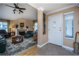 """Photo 4: 24 19649 53 Avenue in Langley: Langley City Townhouse for sale in """"Huntsfield Green"""" : MLS®# R2155558"""