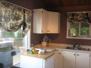Photo 4: 2745 Vickers Trail in Anglemont: House for sale : MLS®# 10072926