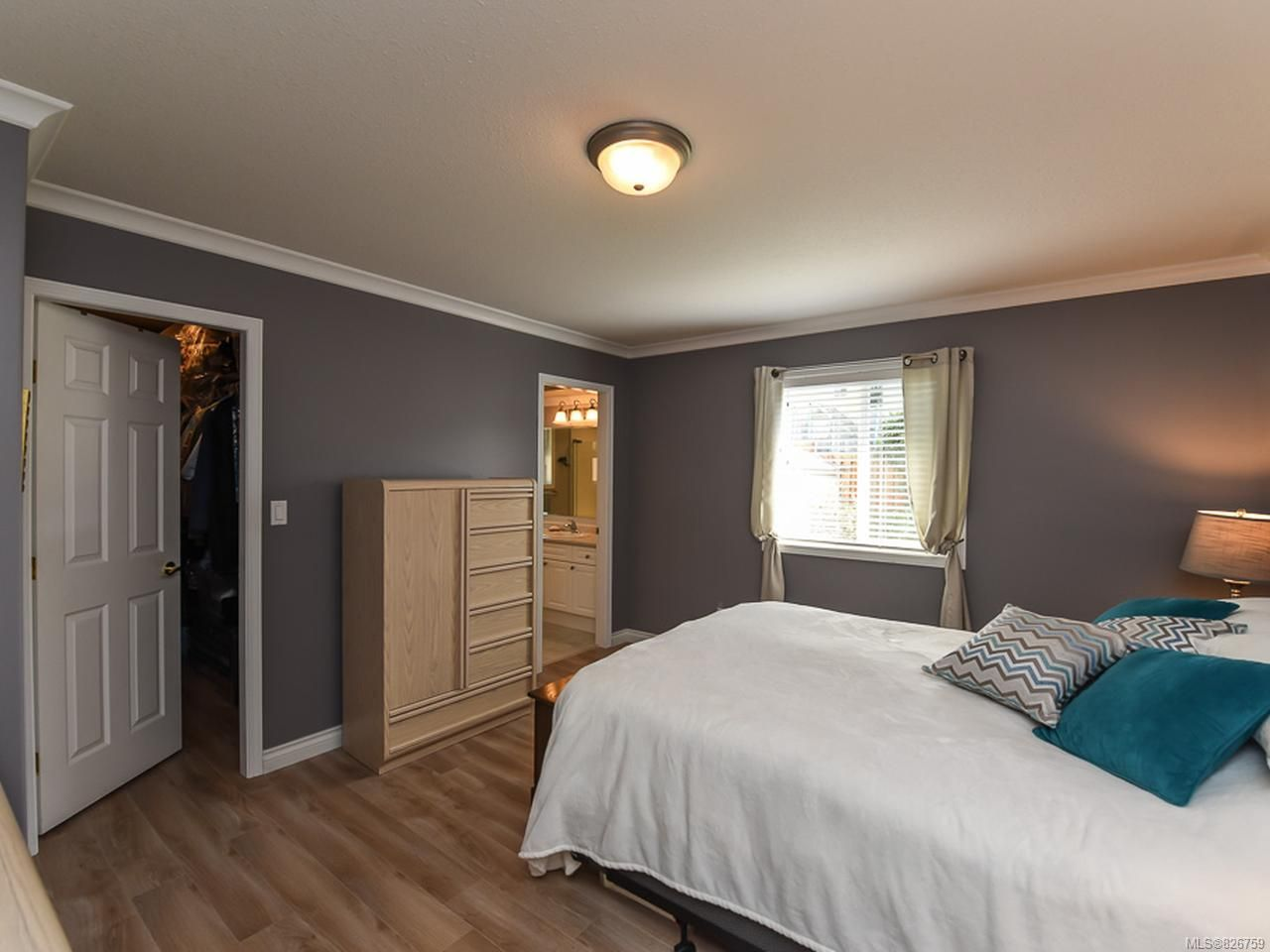 Photo 14: Photos: 2165 Stirling Cres in COURTENAY: CV Courtenay East House for sale (Comox Valley)  : MLS®# 826759