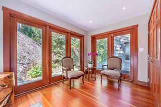 Photo 18: 5772 SUNSHINE FALLS Lane in North Vancouver: Woodlands-Sunshine-Cascade House for sale : MLS®# R2613401