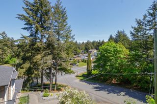 Photo 34: 129 Rockcliffe Pl in : La Thetis Heights House for sale (Langford)  : MLS®# 875465