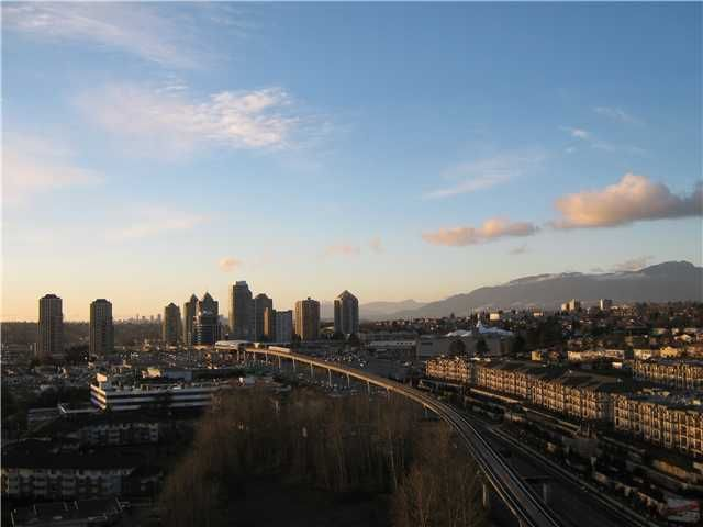 "Main Photo: 2302 2133 DOUGLAS Road in Burnaby: Brentwood Park Condo for sale in ""PERSPECTIVES"" (Burnaby North)  : MLS®# V864191"