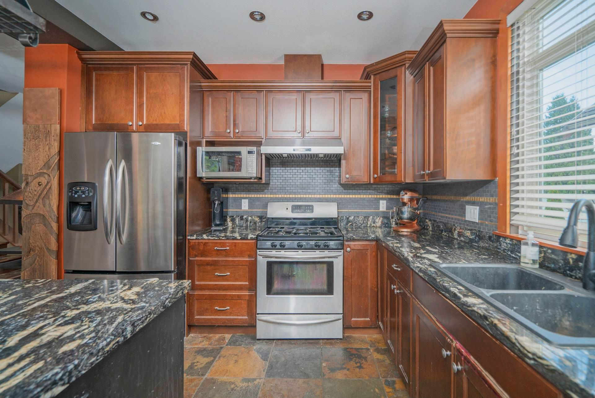 """Photo 13: Photos: 1662 KNAPPEN Street in Port Coquitlam: Lower Mary Hill House for sale in """"Knappen Gardens"""" : MLS®# R2593877"""