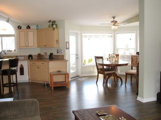 Photo 10: 68 1510 Tans Can Hwy: Sorrento Manufactured Home for sale (Shuswap)  : MLS®# 10225678