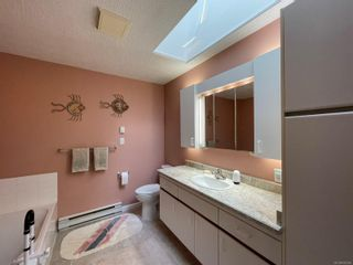 Photo 18: 2302 Amherst Ave in : Si Sidney North-East Half Duplex for sale (Sidney)  : MLS®# 878495