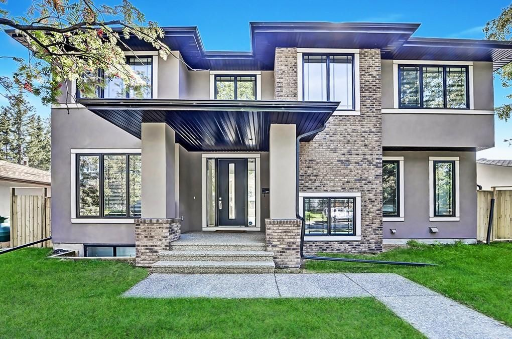 Main Photo: 2711 LIONEL Crescent SW in Calgary: Lakeview Detached for sale : MLS®# C4236282