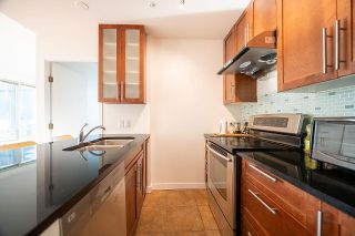 "Photo 11: 307 989 NELSON Street in Vancouver: Downtown VW Condo for sale in ""ELECTRA"" (Vancouver West)  : MLS®# R2527877"