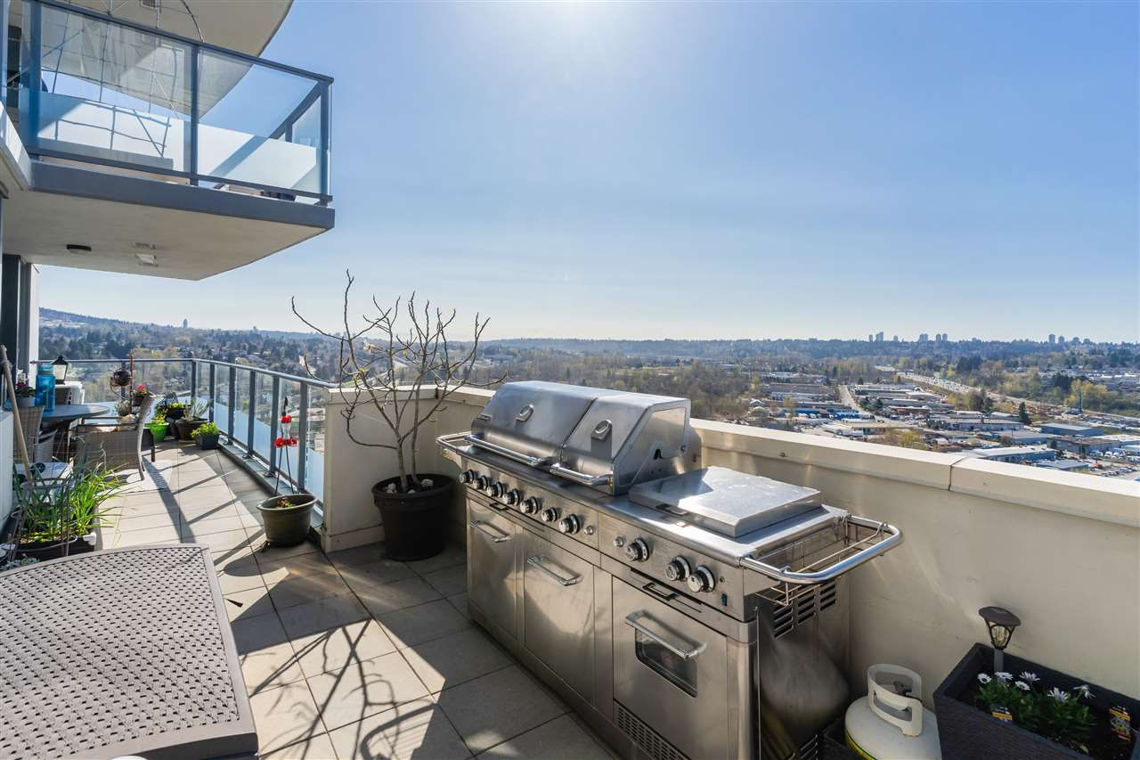 """Main Photo: 2602 5611 GORING Street in Burnaby: Central BN Condo for sale in """"LEGACY TOWER II"""" (Burnaby North)  : MLS®# R2568669"""