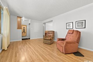 Photo 3: 3315 PARLIAMENT Avenue in Regina: Parliament Place Residential for sale : MLS®# SK858530