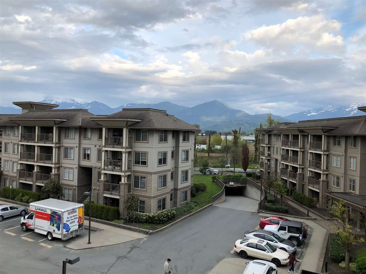 "Main Photo: 401 45559 YALE Road in Chilliwack: Chilliwack W Young-Well Condo for sale in ""VIBE"" : MLS®# R2364086"