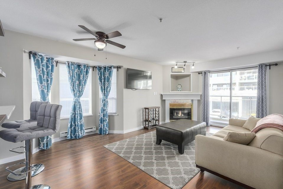 """Main Photo: 409 525 AGNES Street in New Westminster: Downtown NW Condo for sale in """"Agnes Terrace"""" : MLS®# R2248740"""