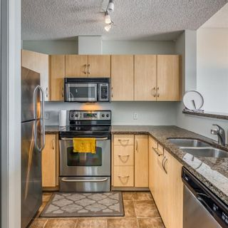Photo 6: 2205 1053 10 Street SW in Calgary: Beltline Apartment for sale : MLS®# A1121668