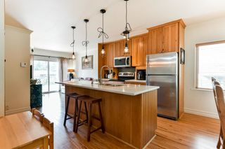 Photo 2: 1010 MATHERS Avenue in West Vancouver: Sentinel Hill House for sale : MLS®# R2378588