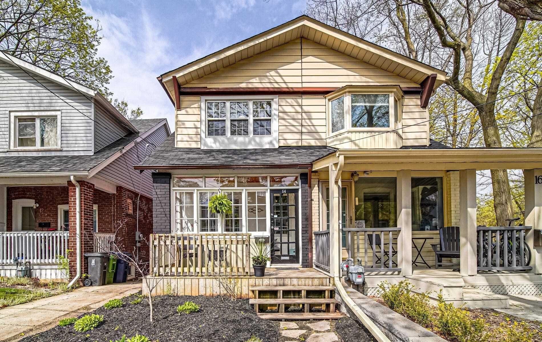 Main Photo: 14 Wildwood Crescent in Toronto: Woodbine Corridor House (2-Storey) for sale (Toronto E02)  : MLS®# E5219209
