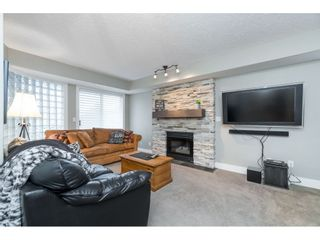 """Photo 12: 87 4001 OLD CLAYBURN Road in Abbotsford: Abbotsford East Townhouse for sale in """"Cedar Springs"""" : MLS®# R2419759"""