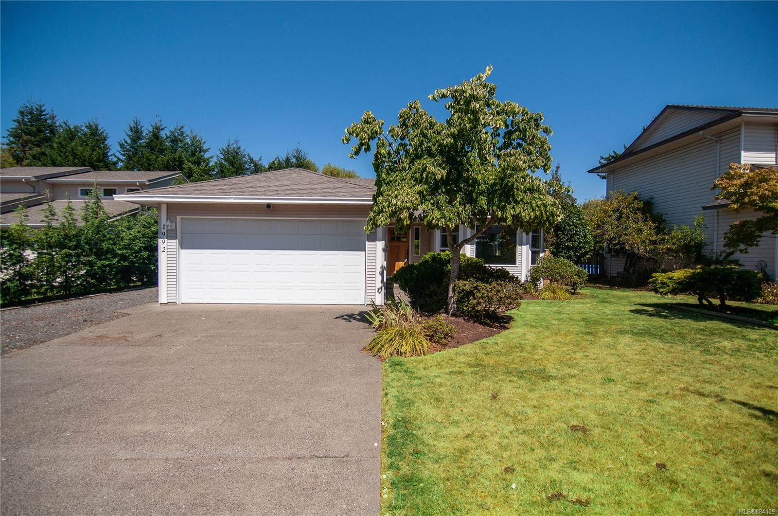 Main Photo: 1992 Bear Pl in : CR Campbell River West House for sale (Campbell River)  : MLS®# 884109