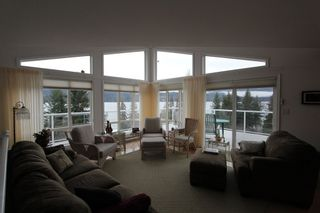 Photo 3: 7851 Squilax Anglemont Road in Anglemont: North Shuswap House for sale (Shuswap)  : MLS®# 10093969