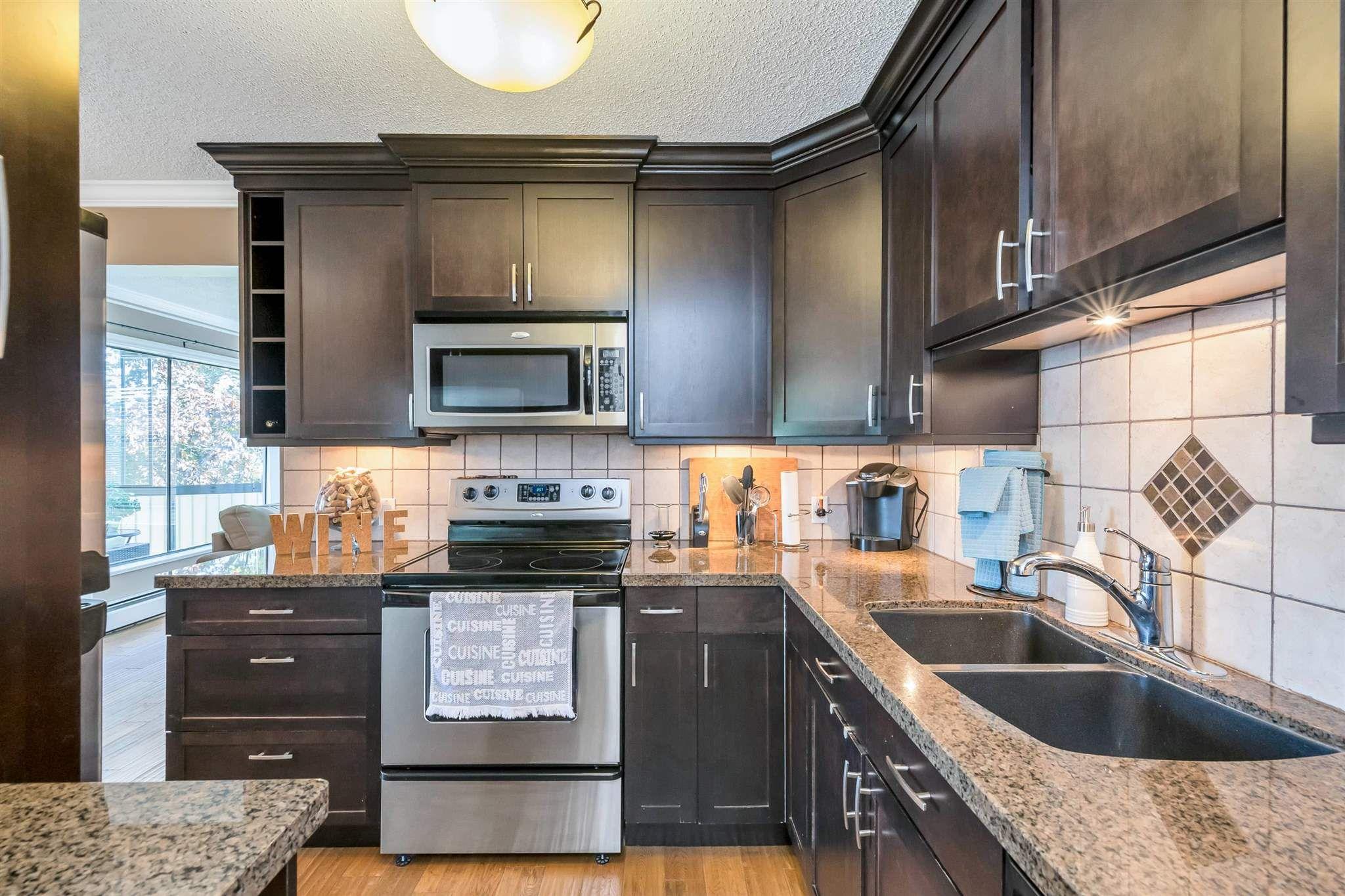 "Main Photo: 203 1389 WINTER Street: White Rock Condo for sale in ""Hillside House"" (South Surrey White Rock)  : MLS®# R2601310"