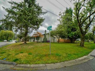 "Photo 4: 12110 96A Avenue in Surrey: Cedar Hills House for sale in ""CEDAR HILLS"" (North Surrey)  : MLS®# R2553381"