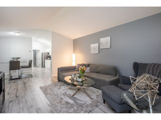 """Photo 5: 186 7790 KING GEORGE Boulevard in Surrey: East Newton Manufactured Home for sale in """"Crispen Bays"""" : MLS®# R2560382"""