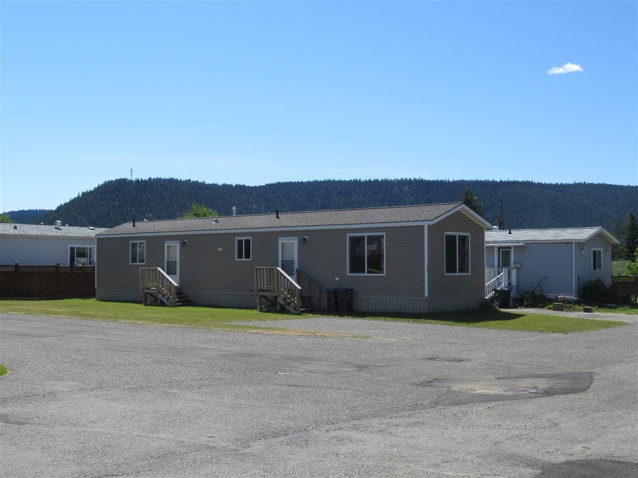 """Main Photo: 66 1400 WESTERN Avenue in Williams Lake: Williams Lake - City Manufactured Home for sale in """"WESTERN ESTATES MOBILE HOME PARK"""" (Williams Lake (Zone 27))  : MLS®# R2392070"""