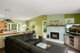 Photo 4: 2045 Wesbrook Dr in Sidney: Si Sidney North-West House for sale : MLS®# 844726