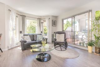 """Photo 1: 208 55 E 10TH Avenue in Vancouver: Mount Pleasant VE Condo for sale in """"Abbey Lane"""" (Vancouver East)  : MLS®# R2169638"""