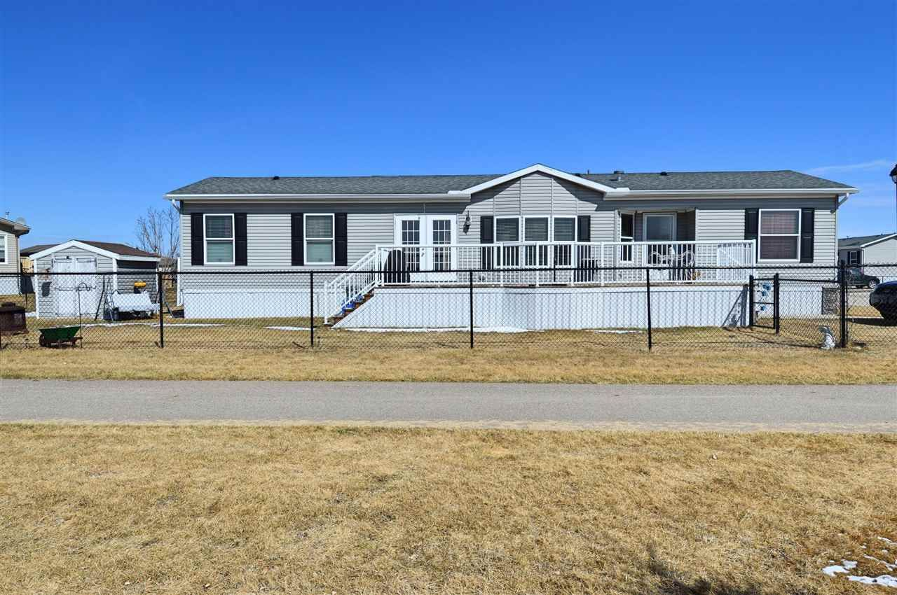 Main Photo: 5802 Fontaine Drive: Cold Lake Mobile for sale : MLS®# E4240703