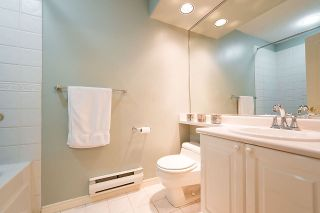 Photo 15: 1188 STRATHAVEN Drive in North Vancouver: Northlands Townhouse for sale : MLS®# R2215191