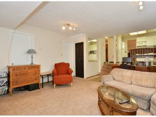 """Photo 11: 15909 GOGGS Avenue: White Rock House for sale in """"White Rock"""" (South Surrey White Rock)  : MLS®# F1424836"""