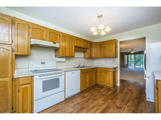 """Photo 8: 48 32691 GARIBALDI Drive in Abbotsford: Abbotsford West Townhouse for sale in """"Carriage Lane"""" : MLS®# R2096442"""