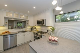 Photo 4: 4651 GARDEN GROVE DRIVE in Burnaby: Greentree Village Townhouse for sale (Burnaby South)  : MLS®# R2495980