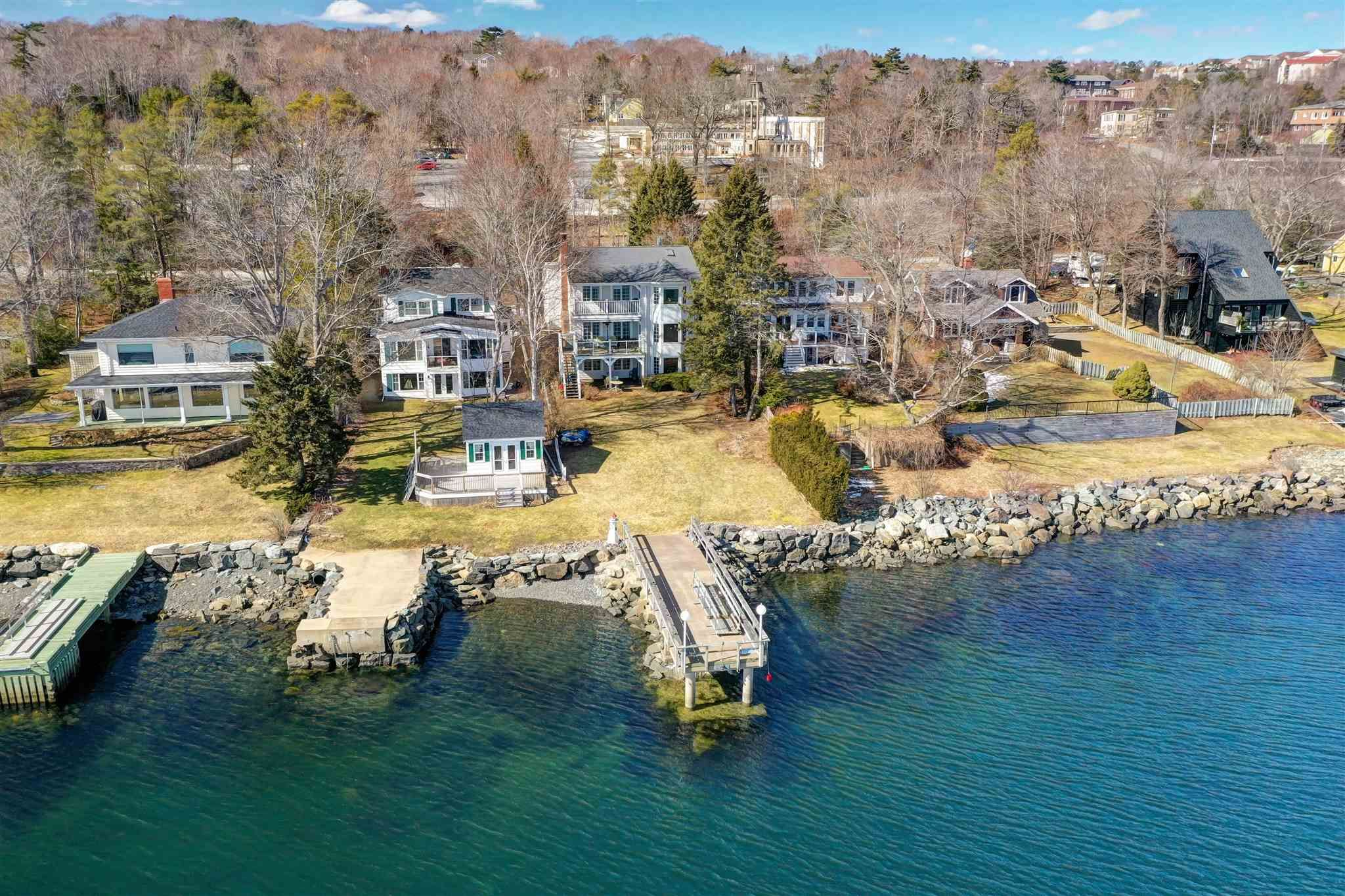 Main Photo: 115 Shore Drive in Bedford: 20-Bedford Residential for sale (Halifax-Dartmouth)  : MLS®# 202111071