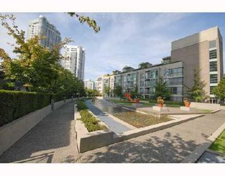 """Photo 9: 1202 1008 CAMBIE Street in Vancouver: Downtown VW Condo for sale in """"THE WATERWORKS"""" (Vancouver West)  : MLS®# V737264"""