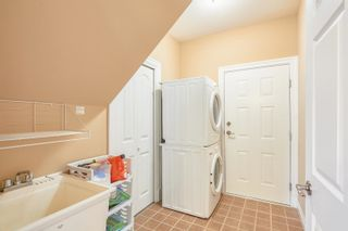 Photo 18: 1072 AUGUSTA Avenue in Burnaby: Simon Fraser Univer. 1/2 Duplex for sale (Burnaby North)  : MLS®# R2613430