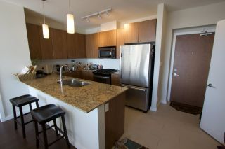"""Photo 4: 2005 280 ROSS Drive in New Westminster: Fraserview NW Condo for sale in """"THE CARLYLE ON VICTORIA HILL"""" : MLS®# R2563720"""